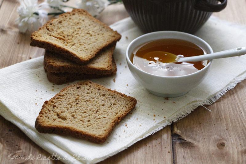 Fette biscottate integrali al miele