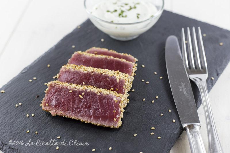 Filetto di tonno in crosta di sesamo