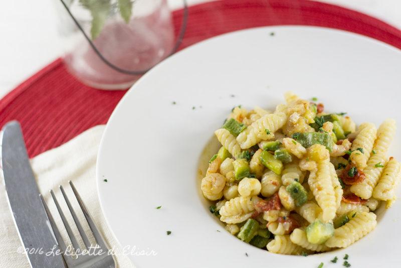 Gnocchetti di semola con zucchine, gamberetti e datterini