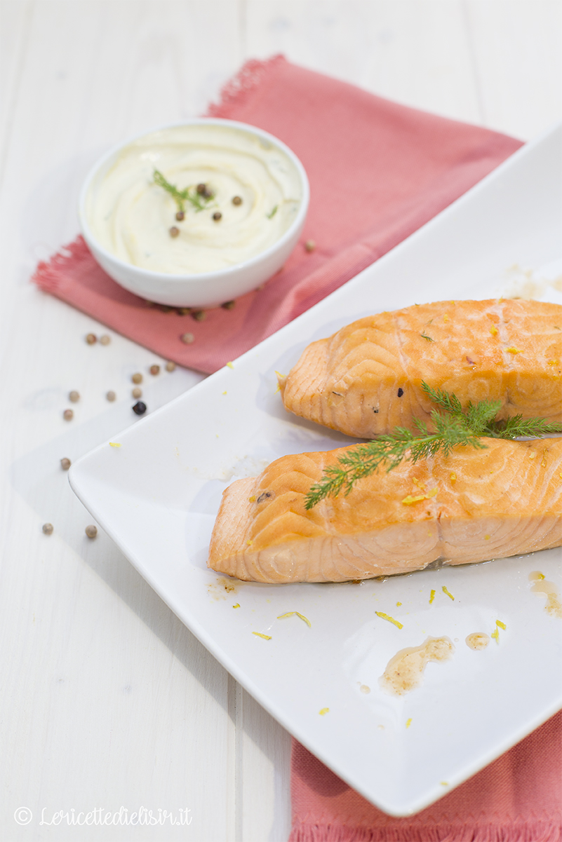 filetti di salmone in padella