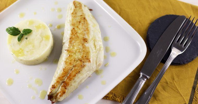 Filetto di spigola con tortino di patate al basilico