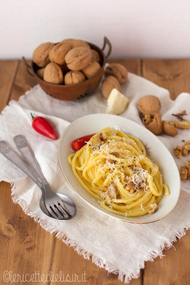 Pasta cacio, pepe e noci le ricette di elisir