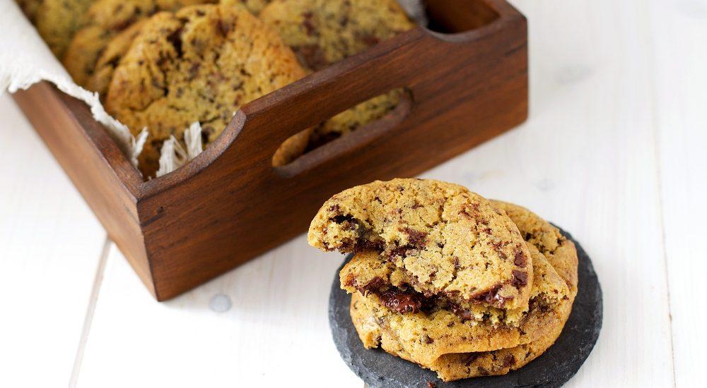 Cookies americani alle gocce di cioccolato