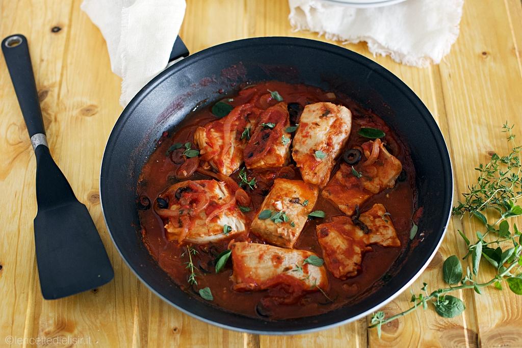 Pesce persico al pomodoro e olive