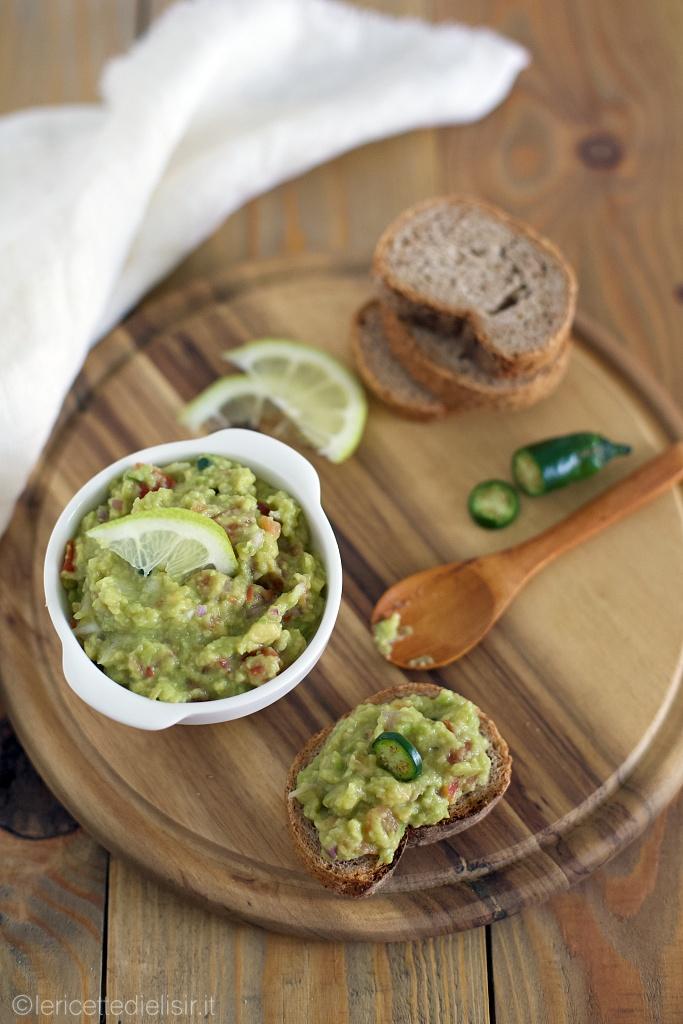Salsa guacamole messicana