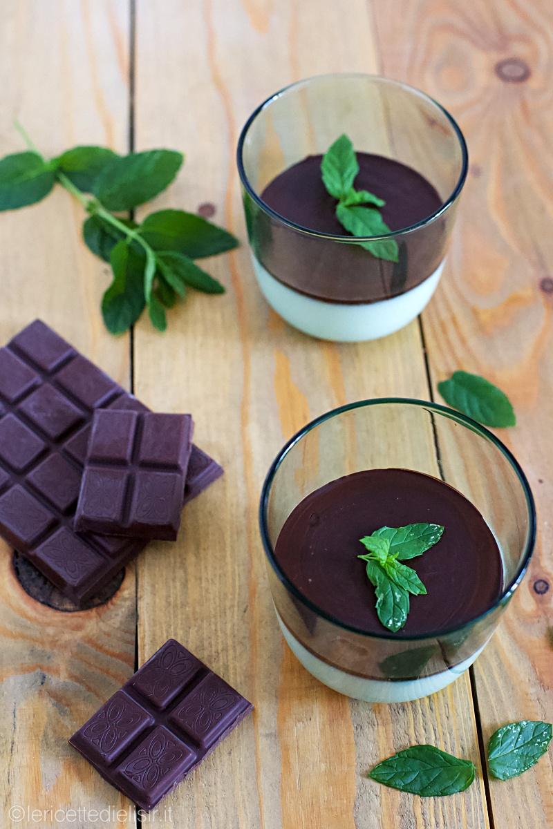 Panna cotta alla menta e cioccolato fondente