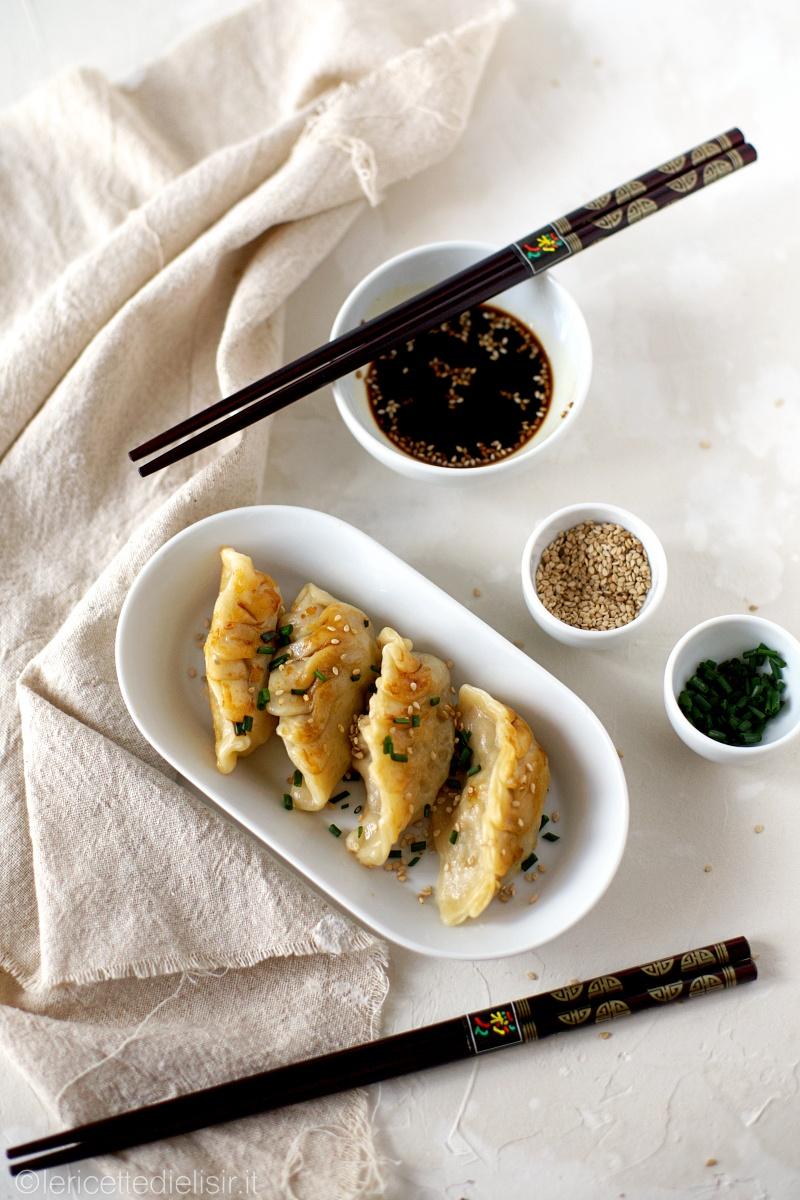 Ravioli giapponesi gyoza le ricette di elisir