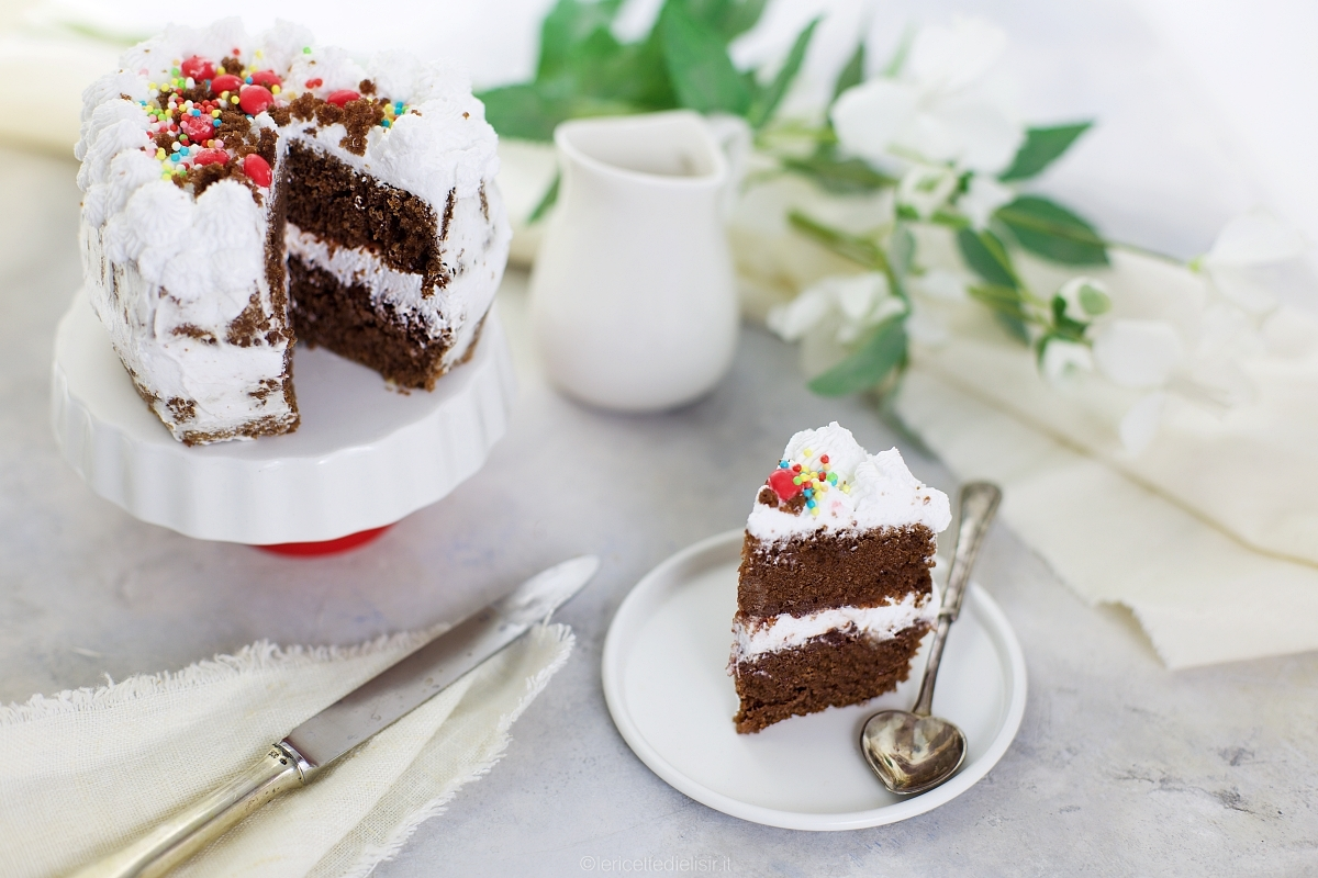 Torta cacao e panna romantica