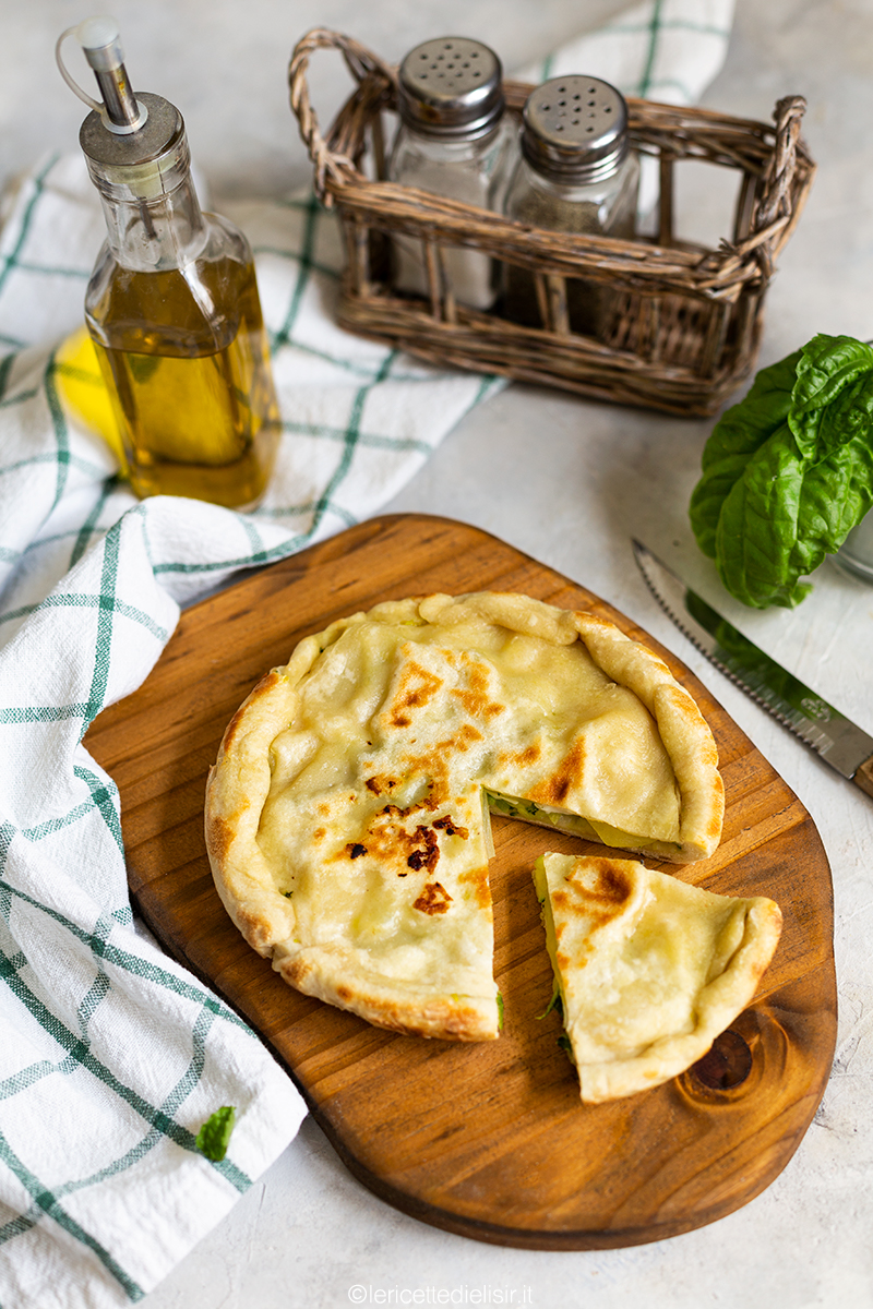 Torta salata in padella alle zucchine e patate