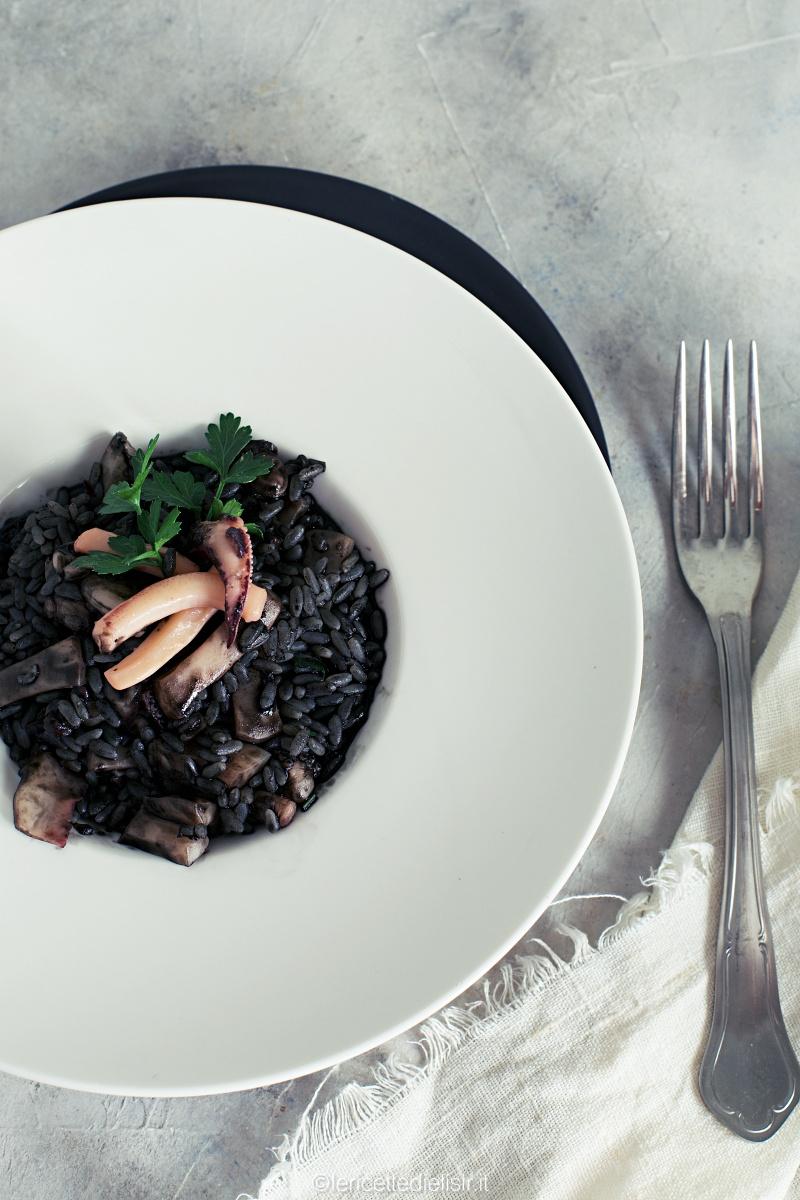 Risotto al nero di seppia ricetta gustosa e facile