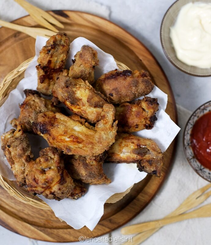 Ali di pollo panate nella friggitrice ad aria