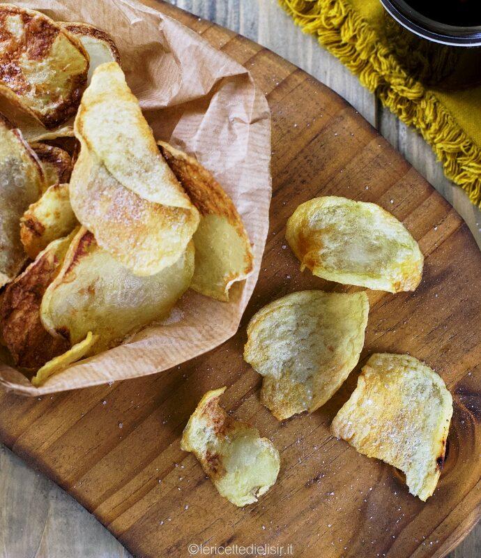 Chips di patate croccanti come quelle in busta