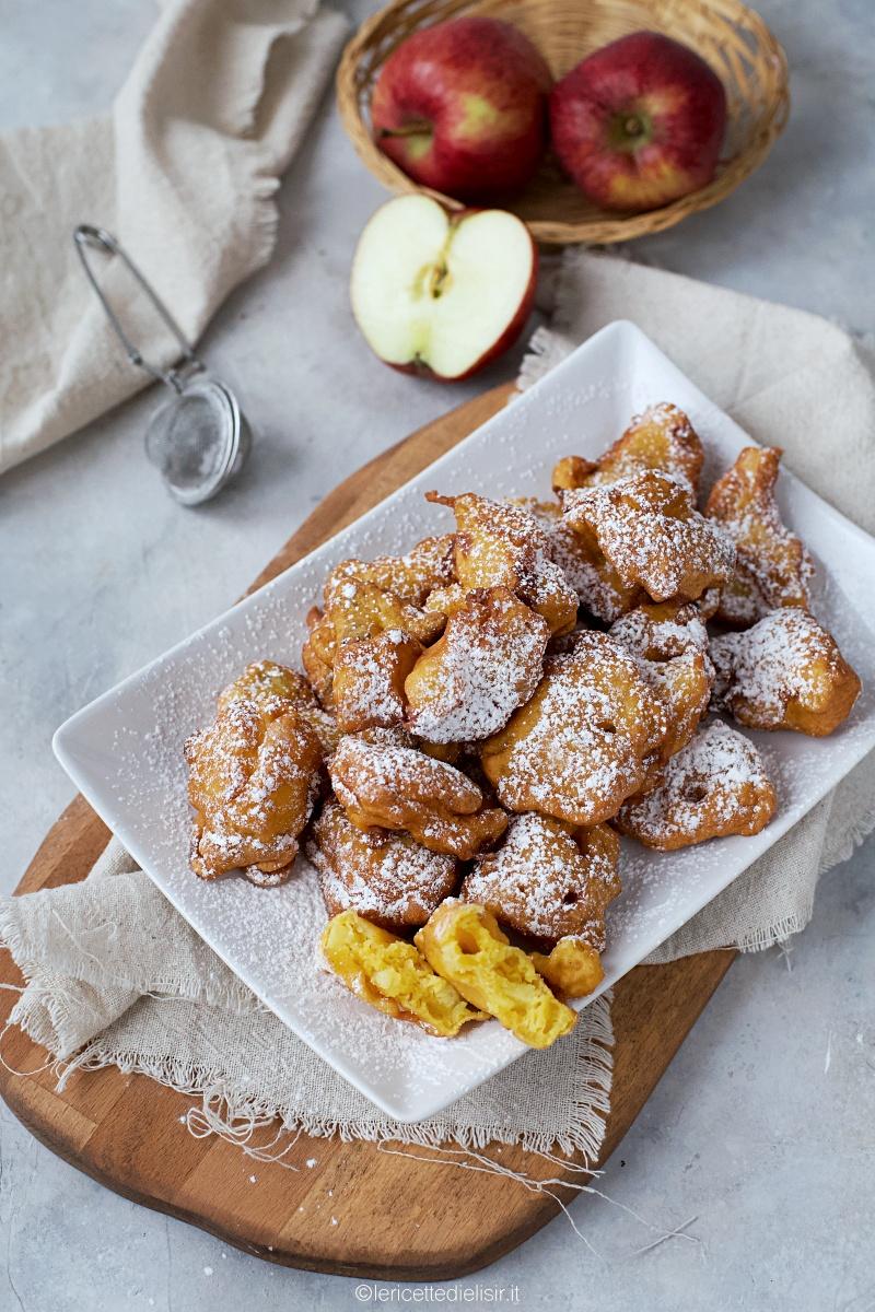 Frittelle alle mele e uvetta ricetta dolce