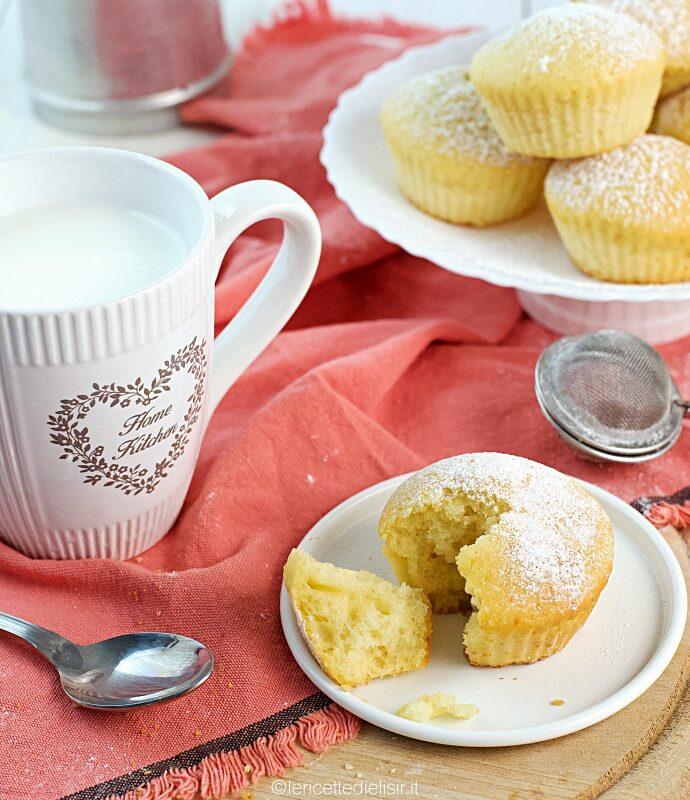 Muffin alla vaniglia soffici e facili