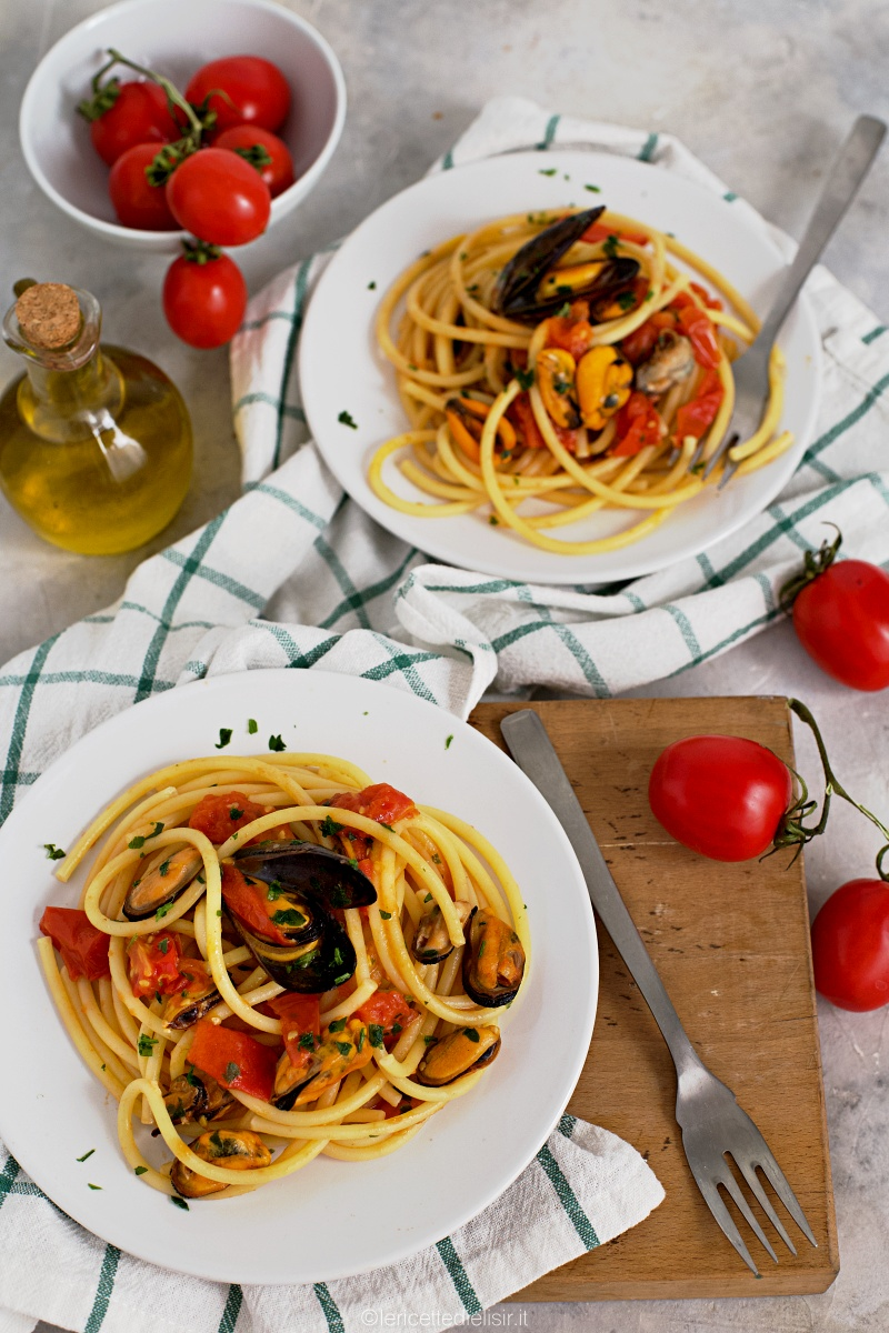Pasta cozze e pomodorini, ricetta primo