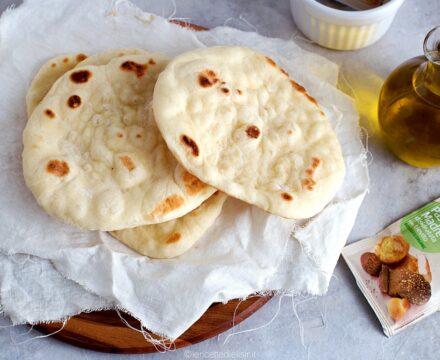 Pane pita greca in padella veloce